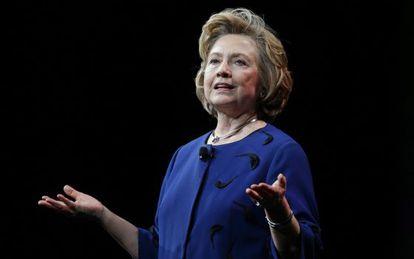 Hillary Clinton, contrária ao embargo a Cuba.