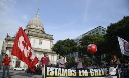 Sindicalistas em ato no Rio de Janeiro em novembro.