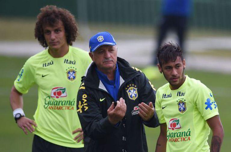 David Luiz, Scolari e Neymar.