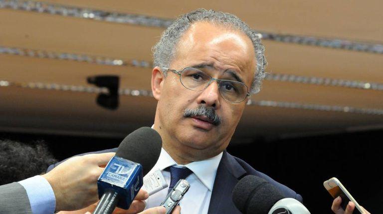 O relator da reforma política, Vicente Cândido (PT-SP).