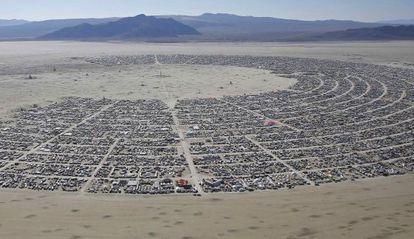 Vista aérea de Black Rock City, onde se celebra o festival.