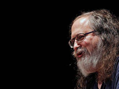 Richard Stallman, ex-presidente da Free Software Foundation, durante uma conferência em 2016.