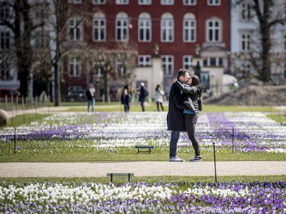 Um casal em Copenhague em 2018.
