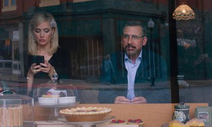 Rose Byrne e Steve Carell, em Irresistible.