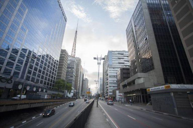 A Avenida Paulista, principal artéria de São Paulo.