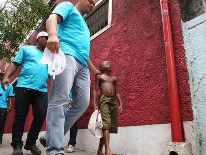 Menores sem documentação nem dinheiro são levados ao Centro de Acolhimento no Rio.