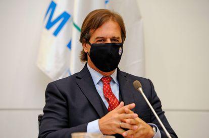 Presidente do Uruguai fala sobre a pandemia de coronavírus no país.