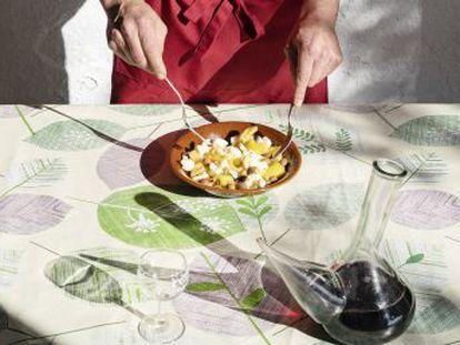 Quando o cozinheiro Oriol Blanes contou a seu colega Jordi Roca que havia perdido a capacidade de saborear, esse elaborou uma experiência a um grupo de pacientes com alterações no olfato e no paladar. O objetivo era que recuperassem o sabor através das lembranças. Os resultados foram surpreendentes