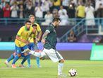 Messi abre o placar para a Argentina no amistoso contra o Brasil.