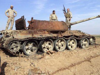 Soldados iraquianos nos arredores de Tikrit, na semana passada.