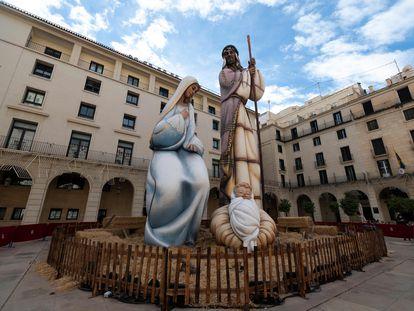 Presépio de 18 metros de altura em Alicante, na Espanha, que entrou no 'Guinness' como o maior no mundo.