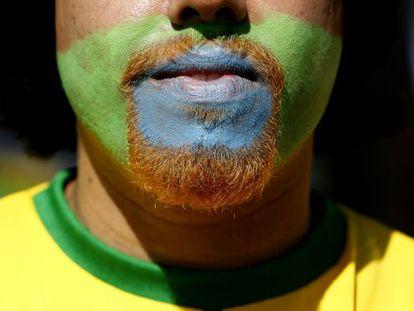 Torcedor brasileiro entra no clima da Copa.