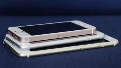 Toda a gama do iPhone, com o modelo SE no topo.
