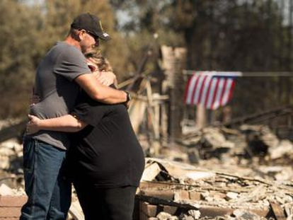 O governador afirma que os incêndios, que continuam, são os mais graves da história. As chamas arrasaram 77.000 hectares no Estado