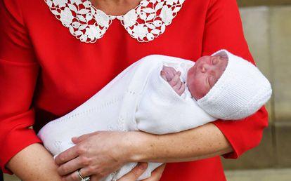 Nome do terceiro bebê real britânico deve ser revelado pelos pais em alguns dias.