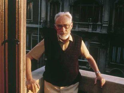 Primo Levi, em sua casa de Turim, em 1985.
