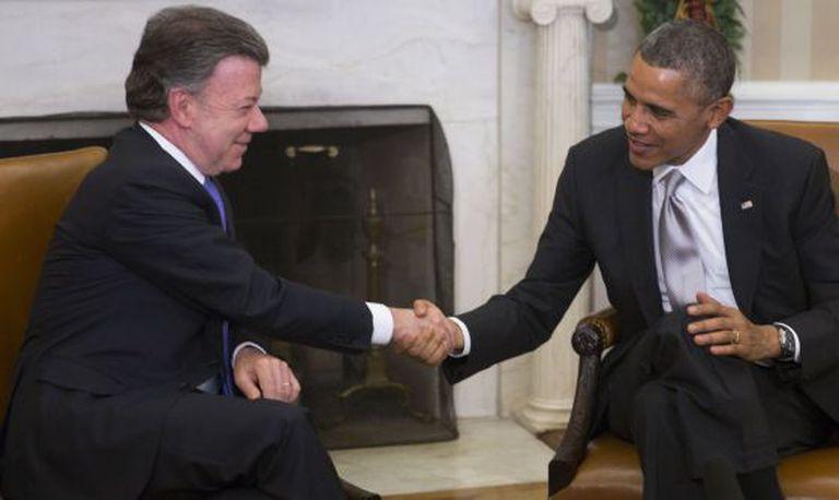 O presidente de Colômbia e o dos EUA na Casa Branca.