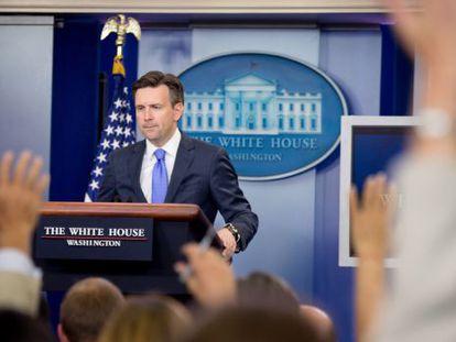 O secretário de imprensa da Casa Branca, Josh Earnest.