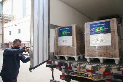 O Instituto Butantan entregou mais 1,1 milhão de doses da Coronavac ao Ministério da Saúde nesta sexta-feira (14).