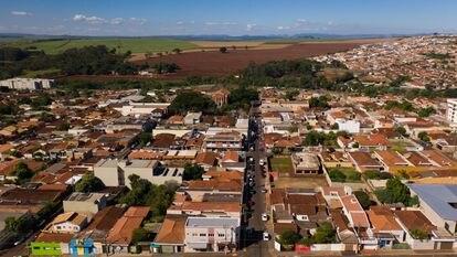 Serrana é o único município do Brasil com vacinação em massa contra a covid-19.