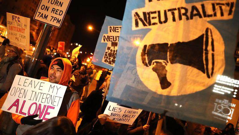 Protesto em Washington contra o fim da neutralidade na rede, na semana passada