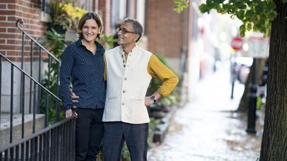 """This photo obtained October 14, 2019 courtesy of the Massachusetts Institute of Technology(MIT) shows Abhijit Banerjee and Esther Duflo winners of the 2019 Nobel Prize for Economics at their home in Boston, Massachusetts on October 14, 2019. - A trio of American economists on October 14, 2019 won the Nobel Economics Prize for their work in the fight against poverty, including novel initiatives in education and healthcare, the Royal Swedish Academy of Sciences said. Indian-born Abhijit Banerjee of the US, his French-American wife Esther Duflo -- a former advisor to ex-US president Barack Obama -- and Michael Kremer of the US were honoured """"for their experimental approach to alleviating global poverty,"""" the jury said.""""This year's laureates have introduced a new approach to obtaining reliable answers about the best ways to fight global poverty,"""" the jury said. (Photo by Bryce Vickmark / MIT / AFP) / RESTRICTED TO EDITORIAL USE - MANDATORY CREDIT """"AFP PHOTO / MASSACHUSETTS INSTITUTE OF TECHNOLOGY/BRYCE VICKMAN/HANDOUT"""" - NO MARKETING - NO ADVERTISING CAMPAIGNS - DISTRIBUTED AS A SERVICE TO CLIENTS"""