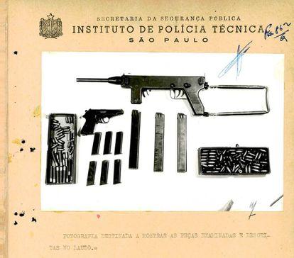 Perícia realizada em metralhadora, pistola e munições apreendidas em poder de Aladino Felix e seu bando indica que as armas pertenciam à Força Pública.