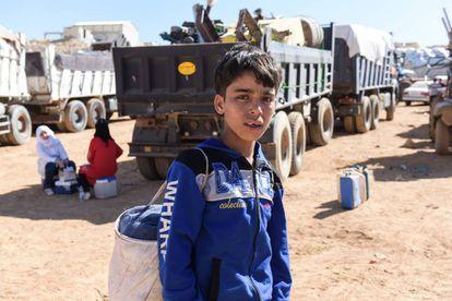 Hasan Bouzeid, de 12 anos, tenta voltar à Síria para reencontrar sua mãe, depois de passar seis anos como refugiado no Líbano.