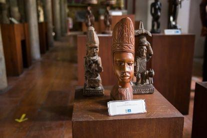 Obras de arte expostas na Casa do Benin, em Salvador.