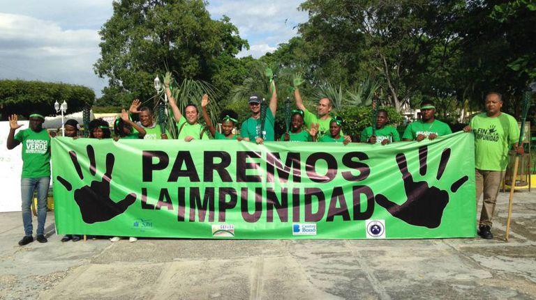 """O movimento contra a corrupção """"Marcha Verde"""", na República Dominicana, motivado pela corrupção da Odebrecht."""