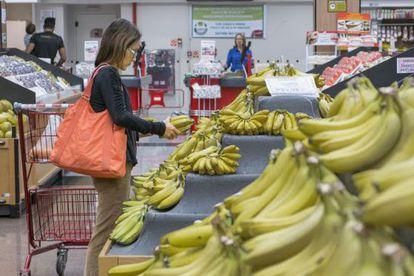 Menor poder de compra da população teve impacto no setor de alimentos.