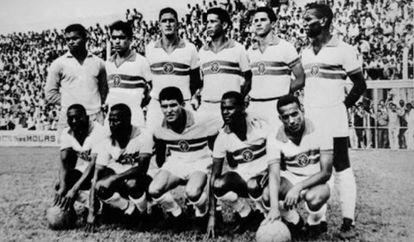 Time campeão mineiro pelo Siderúrgica, em 1964.