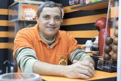 Juarez Pinto trocou o emprego na construção civil pelo comércio.