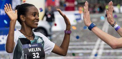 A etíope Helen Bekele, ganhadora da Maratona de Barcelona.
