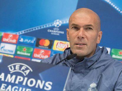 Zidane em coletiva de imprensa.
