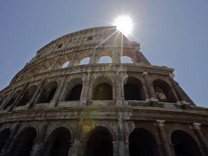 Panorâmica do Coliseu após a sua restauração.