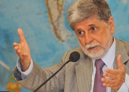 Celso Amorim fala sobre Irã, em 2012.