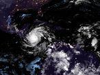 Una imagen satelital del ojo del huracán Iota.