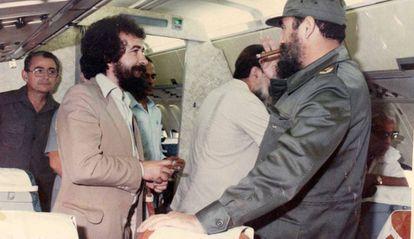 Fernando Morais e Fidel Castro rumo a Manágua, em 1980.