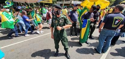 """Claudinei Aparecido Raimundo, 47, da reserva do Exército: """"Eu apoio o fim do STF"""""""