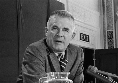 Archibald Cox, em 1973. Naquele ano, foi demitido por Nixon como promotor especial do caso Watergate.