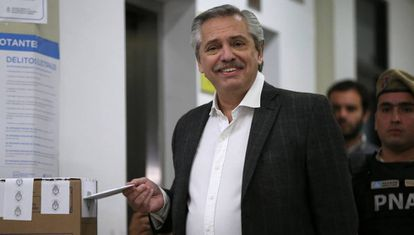 O peronista Alberto Fernández vota neste domingo nas primárias.