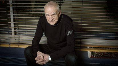 Milan Kundera em fotografia cedida por sua editora em 2014.