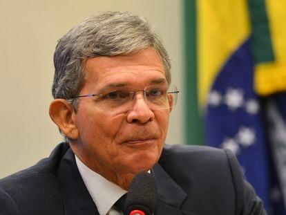 O general Joaquim Silva e Luna foi indicado por Bolsonaro para ser o novo presidente da Petrobras.