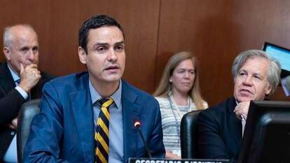 Paulo Abrão, secretário executivo da CIDH, e Luis Almagro, secretário-geral da OEA, em junho de 2018.