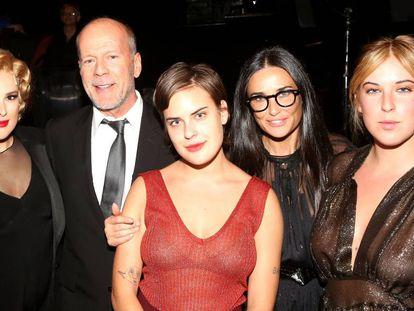 Rumer Willis, Bruce Willis, Tallulah Willis, Demi Moore e Scout LaRue Willis na estreia de Rumer na Broadway, Nova York, com o musical 'Chicago', em setembro de 2015.