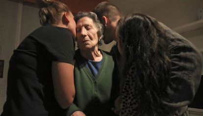 Carmen Martínez, com seus familiares.