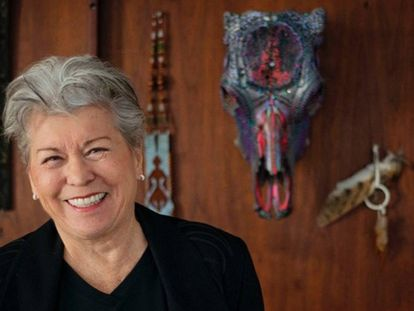 A artista e sexóloga Betty Dodson em seu apartamento, Nova York.