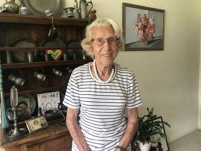 Susan Hosang-Van Riemsdijk, de 102 anos, em sua casa de Hilversum, no centro da Holanda.