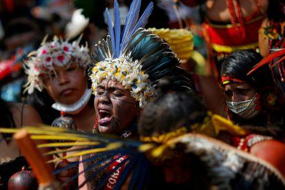 Mulheres indígenas protestam contra o Governo de Jair Bolsonaro em Brasília, em 10 de setembro